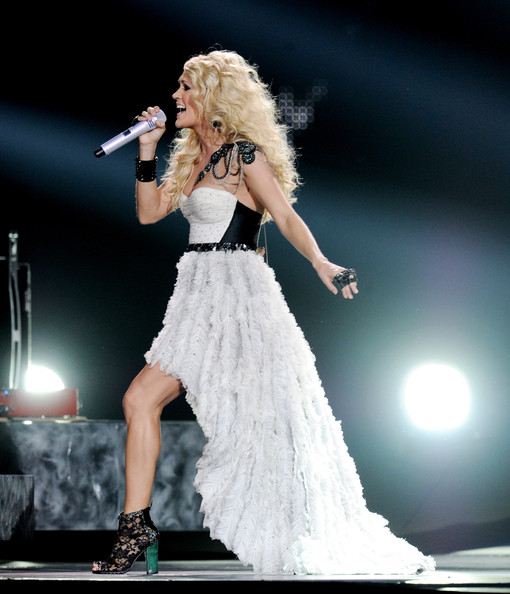 new underwood online dating She's very grateful for all the new blessings in her life,' shared a source carrie underwood is  carrie underwood reportedly pregnant, conceived 2 weeks.