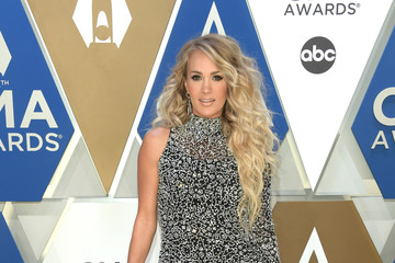 Carrie Underwood The 54th Annual CMA Awards - Arrivals