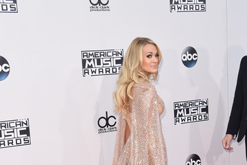 Carrie Underwood 2015 American Music Awards - Arrivals