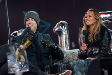 Carson Daly Revelers Celebrate New Year's Eve In New York's Times Square