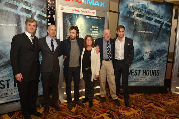 Boston Embraces Chris Pine and Casey Affleck at the Finest Hours Special Screening for the Hometown Crowd [movie,event,team,tourism,chris pine,embraces,casey affleck,family,supporters,boston,finest hours special screening for the hometown crowd,screening,imax screening]