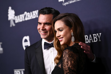Cash Warren Paul Mitchell Presents the 2017 Baby2Baby Gala - Red Carpet