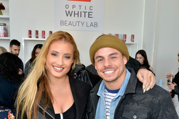 Casper Smart Colgate Optic White Beauty Lab