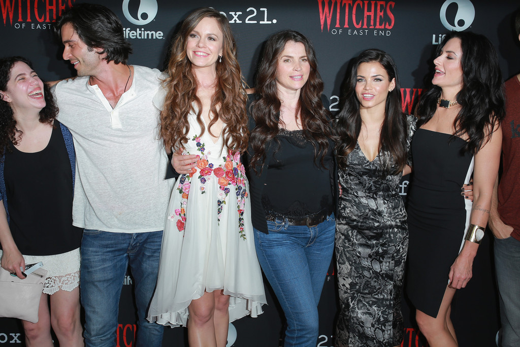 Julia Ormond Rachel Boston Madchen Amick Maggie Friedman Jenna Dewan Tatum Daniel Ditomasso Richard Hatem Daniel Ditomasso Photos Witches Of East End Season 2 Premiere Zimbio