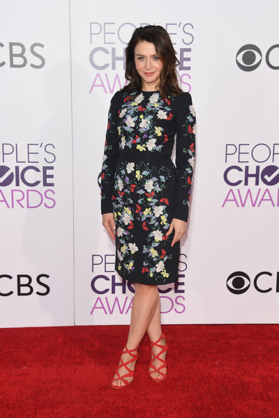 People's Choice Awards 2017 - Arrivals [red carpet,carpet,clothing,fashion model,dress,flooring,fashion,footwear,hairstyle,premiere,peoples choice awards,microsoft theater,los angeles,california,caterina scorsone,arrivals]