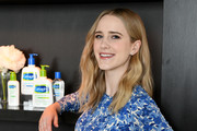 Rachel Brosnahan Photos Photo