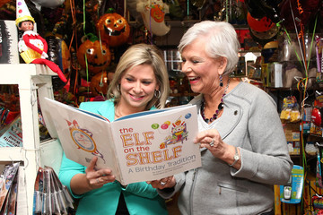 Chanda Bell   'The Elf on the Shelf' Authors Promote in NYC