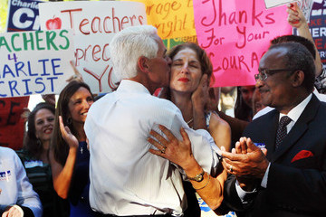Catherine Kennedy Charlie Crist Announces He Will Run For Senate As Independent