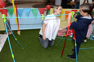 Charlie Hill Claire Richards Takes Part in Den Day Fundraising Activities at Westfield London