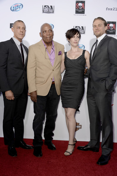 """Charlie Hunnam (L-R) Actors Theo Rossi, Executive Producer Paris Barclay, actors Maggie Siff and Charlie Hunnam attend the season 6 premiere of FX's """"Sons Of Anarchy"""" at Dolby Theatre on September 7, 2013 in Hollywood, California."""
