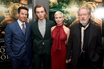 Charlie Plummer Premiere Of Sony Pictures Entertainment's 'All The Money In The World' - Red Carpet