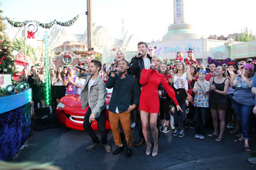 Chelsea Kane Disney Parks' 'Frozen' Christmas Celebration