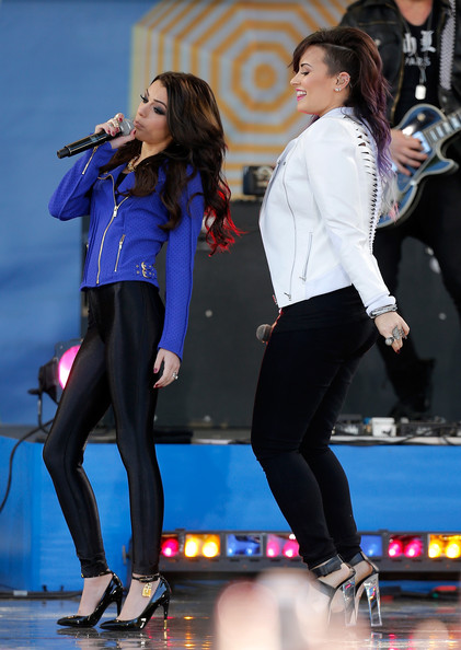 Cher Lloyd - Demi Lovato Performs on 'GMA'