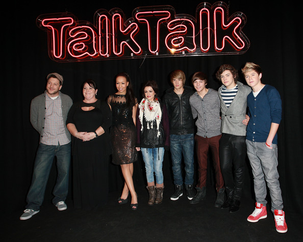 Cher Lloyd Matt Cardle, Mary Byrne, Rebecca Ferguson, Cher Lloyd, Liam Payne, Louis Tomlinson, Harry Styles and Niall Horan attends The TalkTalk Secret X Factor Semi-Finalists Gig on December 1, 2010 in London, England.
