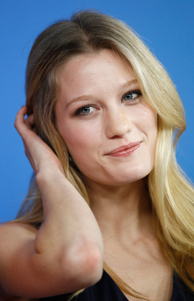 Ashley Hinshaw - Wallpaper Gallery