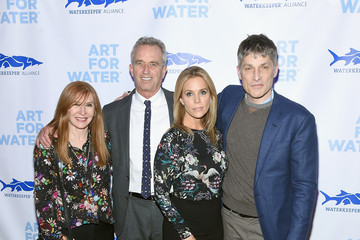 Cheryl Hines 2017 Art For Water To Benefit Waterkeeper Alliance