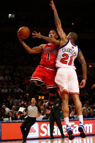 derrick rose dunking on dragic. wallpaper derrick rose