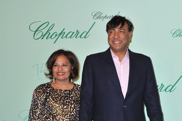 Lakshmi Mittal with beautiful, Wife Usha Mittal