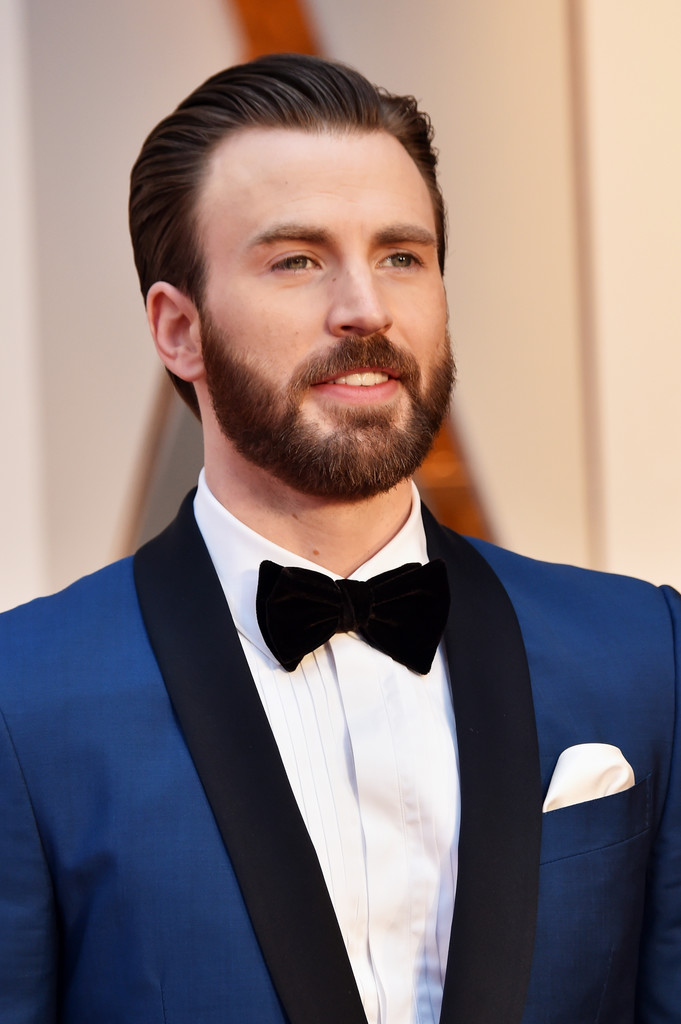 http://www4.pictures.zimbio.com/gi/Chris+Evans+89th+Annual+Academy+Awards+Arrivals+DGCaBfFnf2-x.jpg