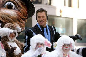 Chris Isaak 86th Annual Macy's Thanksgiving Day Parade