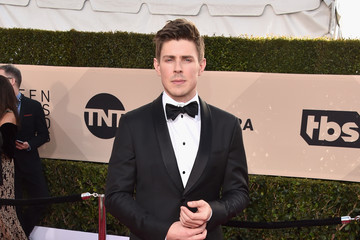 Chris Lowell 24th Annual Screen Actors Guild Awards - Arrivals