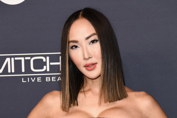 Chriselle Lim Paul Mitchell Presents the 2017 Baby2Baby Gala - Red Carpet