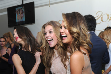 Chrissy Teigen Nina Agdal Sports Illustrated Swimsuit Celebrates 50 Years Of Swim In NYC - Inside