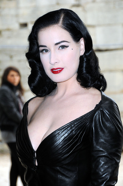Dita Von Teese Christian+Dior+Paris+Fashion+Week+Spring+Summer+c4AWHmIxWgwl