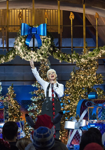 christina aguilera performs in the 2011 disney parks christmas day parade - Christina Aguilera Have Yourself A Merry Little Christmas