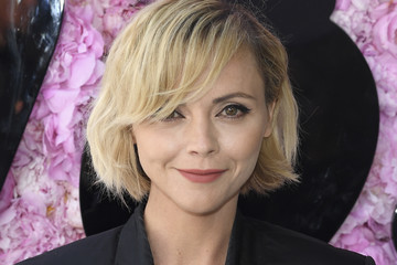 Christina Ricci Dior Homme : Outside Arrivals - Paris Fashion Week - Menswear Spring/Summer 2019