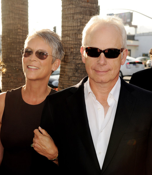 Christopher guest pictures premiere of warner bros for Jamie lee curtis husband christopher guest