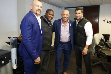 Chuck Liddell Annual Charity Day Hosted By Cantor Fitzgerald, BGC, And GFI - BGC Office – Inside