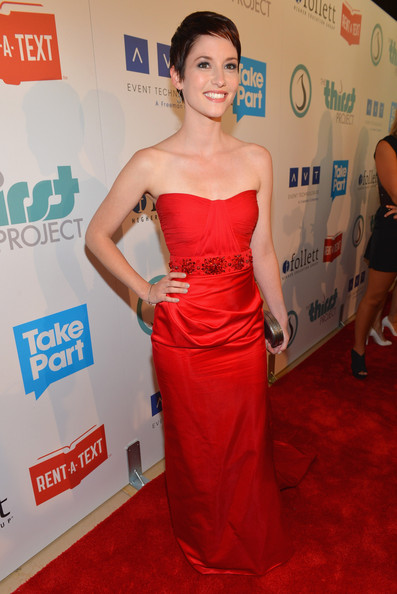 http://www4.pictures.zimbio.com/gi/Chyler+Leigh+Thirst+Project+3rd+Annual+Gala+PXh9DayxVyDl.jpg