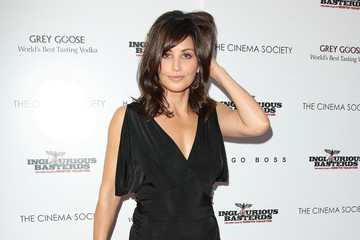 """Gina Gershon The Cinema Society Screening Of """"Inglourious Basterds"""" - Outside Arrivals"""