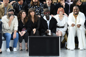 Clara Luciani Chanel : Front Row - Paris Fashion Week Womenswear Fall/Winter 2020/2021