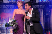 She takes the stage with Mario Lopez. - Kate Upton's Celebrity Friends