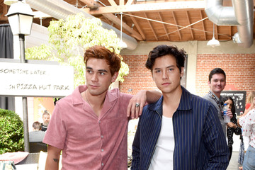 Cole Sprouse KJ Apa 2019 Getty Entertainment - Social Ready Content