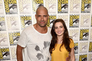 "Actors Manu Bennett (L) and Ivana Baquero attend the ""The Shannara Chronicles"" press room during Comic-Con International 2015 at the Hilton Bayfront on July 10, 2015 in San Diego, California."