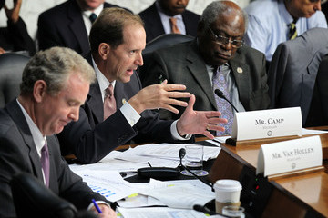 Jim Clyburn Congressional Budget Director Elmendorf Testifies During Joint Deficit Reduction Committee Hearing