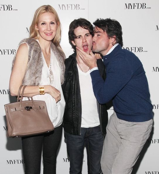 kelly rutherford dating The washington and hollywood couple celebrated three years of dating dana bash and spencer garrett still going strong spencer garrett and kelly rutherford.