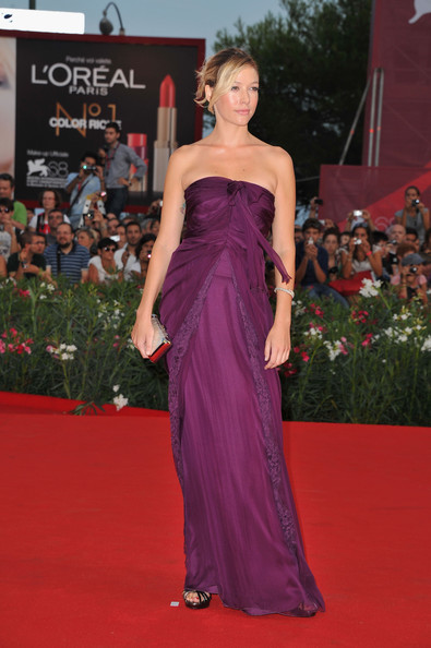 "Sarah Felberbaum attends the ""Contagion"" premiere during the 68th Venice Film Festival at Palazzo del Cinema on September 3, 2011 in Venice, Italy."