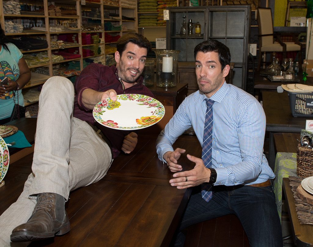 Drew scott and jonathan scott photos cost plus world Who are the property brothers