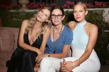 Courteney Cox Amazon Prime Summer Soiree Hosted By Erin And Sara Foster