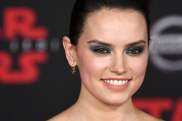 Daisy Ridley Premiere of Disney Pictures and Lucasfilm's 'Star Wars: The Last Jedi' - Arrivals