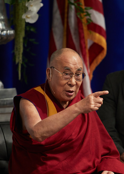 Starkey Hearing Technologies Hosts His Holiness the XIVth Dalai Lama and Forest Whitaker