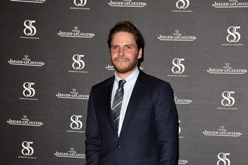 Daniel Bruhl Jaeger-LeCoultre Hosts a Gala Dinner Celebrating the Rendez-Vous Collection at Arsenale in Venice - Jaeger-LeCoultre Collection