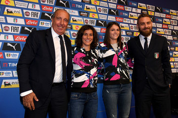 Daniele De Rossi Italy Press Conference And Pitch Walk About