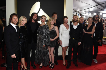 Dave Grohl Pat Smear The 58th GRAMMY Awards - Red Carpet