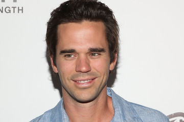david walton economistdavid walton cultural studies, david walton instagram, david walton footballer, david walton, david walton new girl, david walton facebook, david walton superposition, david walton singing, david walton wife, david walton imdb, david walton net worth, david walton shirtless, david walton economist, david walton majandra delfino, david walton actor, david walton twitter, david walton masters, david walton parenthood, david walton author, david walton burlesque