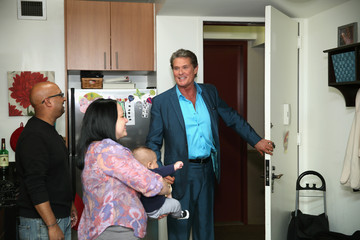 David Hasselhoff David Hasselhoff Surprises New Yorkers With Home Cleanings